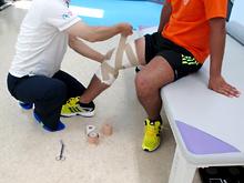 膝関節靭帯損傷に対するテーピング